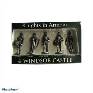 Other - Vintage The Royal Collection Knights in Armour Win